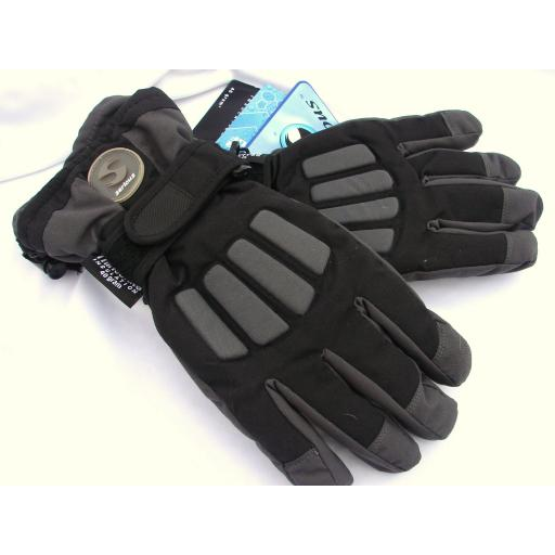 Childrens Black and Grey Ski Gloves sizes large and XL