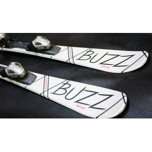 buzz-gyro-v3-pink-black-126cms-adult-short-skis-inc-tyrolia-bindings-sale-[3]-6169-p.jpg