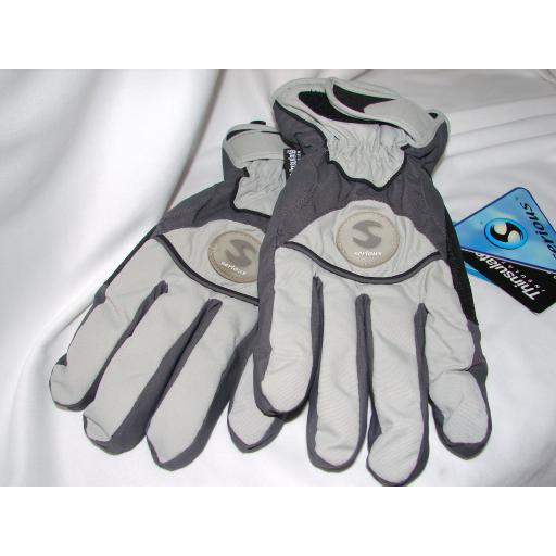 Childrens Ski Gloves sizes large and XL